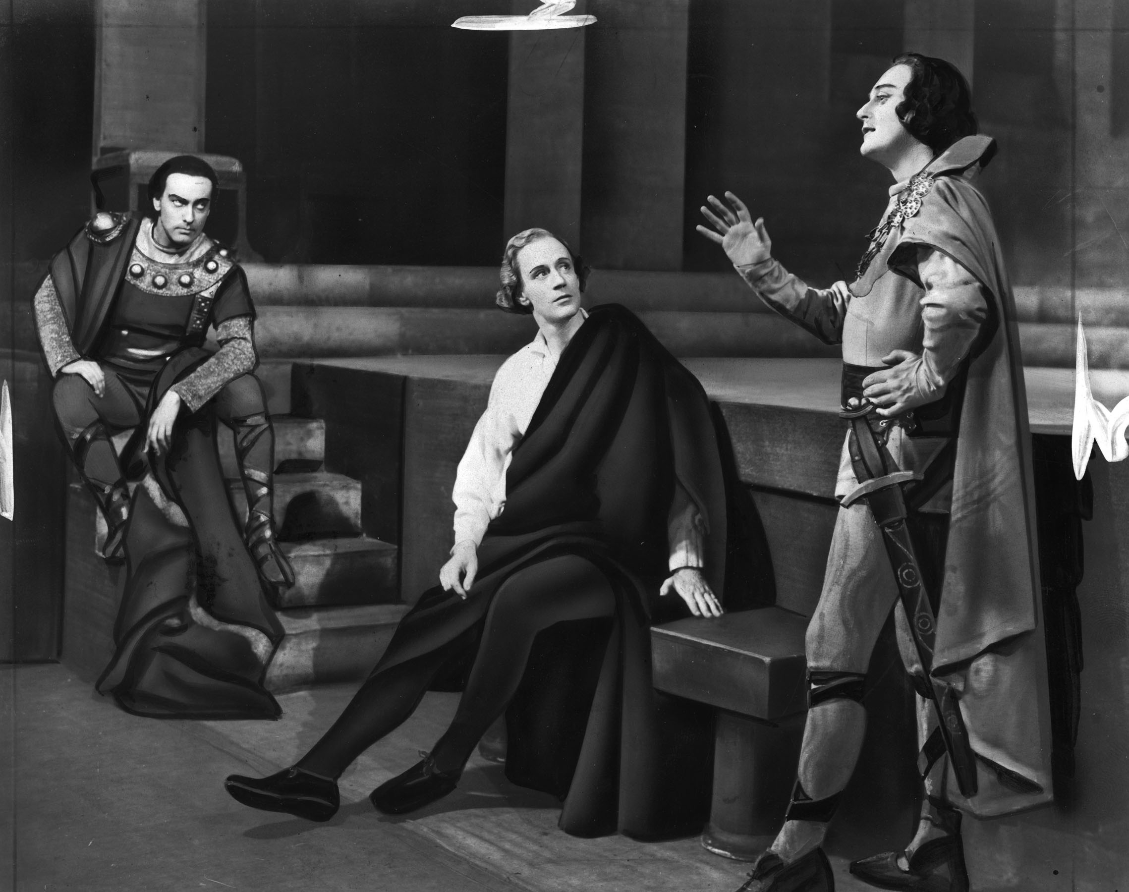 """Original caption reads: """"Joseph Holland (Horatio), Leslie Howard (Hamlet), and Albert Carroll (Osric) in """"Hamlet"""", opening at the Imperial Theatre on November 10th."""""""
