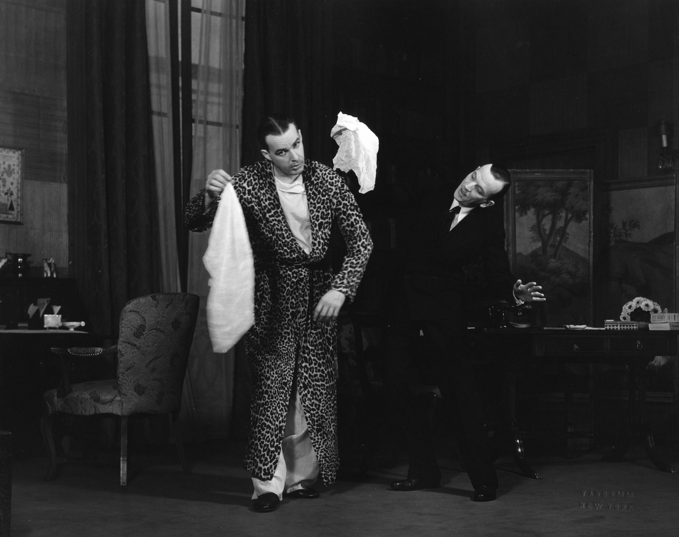 Alfred Lunt and Noël Coward onstage.